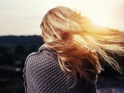 hair-in-sunlight-blonde